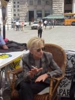 """Presidio non-stop della lista Bonino, davanti a palazzo Chigi (sede del governo), in attesa del cosiddetto """"decreto pulisciliste"""" . Emma Bonino, sedut"""