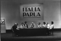 "Trasmissione ""Italia parla"", dal teatro Eliseo. Sul palco, intorno a una tribuna, da sinistra: Mauro Mellini, Emma Bonino, Marco Taradash, Giovanni Ne"