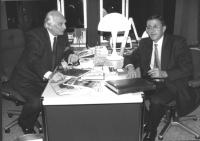 Colloquio tra Pannella ed Hory nell'ufficio del PE di Pannella (BN) (2 copie)