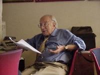 Ritratto di Sergio Stanzani, nel suo ufficio.
