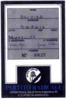 Retro della tessera di iscrizione del 1985 al Partito Radicale, intestata a Olivier Dupuis, firmata dal segretario Giovanni Negri e dal tesoriere Gius