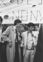 Arresto di Olivier Dupuis per diserzione durante una manifestazione. Con lui Negri e Bonino (BN) buona