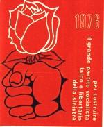 """Tessera di iscrizione al PR del 1976. Slogan: """"per costruire il grande partito socialista laico e libertario della sinistra""""."""