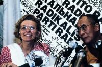 Emma Bonino e il Dalai Lama.