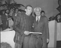 32° congresso PR I sessione. Pannella con Christian Delorme prete francese iscritto al PR (BN)