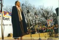 """Claude Levenson, presidente del Comitato per il sostegno al popolo tibetano (Svizzera francofona), alla manifestazione: """"Libertà per il Tibet""""."""