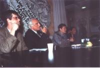 Assemblea pubblica presso la sede del PR a Torre Argentina, del dissidente cinese Wei Jingsheng. Da sinistra: Olivier Dupuis, Marco Pannella, Wei Jing