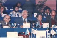 Congresso del PR, all'hotel Ergife. Al tavolo di presidenza, in prima fila, da sinistra: Sergio Stanzani, Marco Pannella, Massimo Teodori, Lorenzo Str