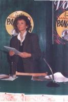"""Emma Bonino, accanto al logo della """"lista Pannella - antiproibizionisti sulla droga""""."""