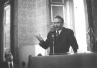 10° Congresso del PR. Loris Fortuna. (In secondo piano, Gianfranco Spadaccia).
