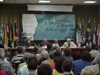 """Convegno: """"Scienza, Chiesa e libertà"""", promosso dal PR e dai deputati europei della lista Bonino. Al tavolo: Cinzia Caporale, Marco Pannella, Italo Me"""