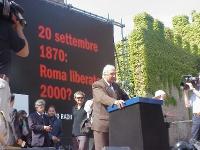 Manifestazione anticlericale a porta Pia, nella ricorrenza del 20 settembre. Alla tribuna:Marco Pannella.