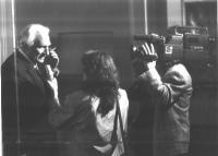 Marco Pannella intervistato alle telecamere di Canale 5.