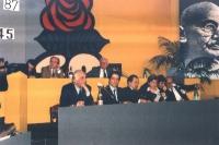 32° Congresso del PR. Al tavolo di presidenza, in prima fila, da sinistra a destra: Marco Pannella, Armando Verdiglione.