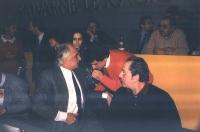 Marco Pannella, Giovanni Negri e Domenico Modugno, al 32° Congresso del PR. (Sullo sfondo: Antonio Stango, Maria Teresa Di Lascia, Lino Jannuzzi).
