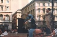Comizio di Marco Pannella a piazza del Parlamento (l'indicazione della data è presuntiva).