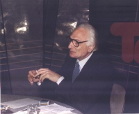 Tribuna politica. Marco Pannella nel corso di un dibattito MSI-PR.