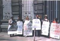 Eric Picard, Michel Hancisse, Gisele ?, Ottavio Marzocchi, Olga Cechurova, Tiziana ?, nel corso di una manifestazione antiproibizionista.