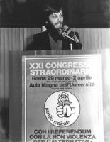 """21° congresso straordinario del PR. Jean Fabre parla alla tribuna."