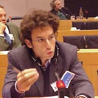 Yasha REIBMANN. Radical, Member of the Regional Council of Lombardy, al 3°seminario europeo sul Tibet al Parlamento Europeo.