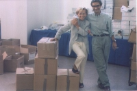 Emma Bonino e MaurizioTurco durante le operazioni di ripulitura delle firme sui 20 referendum.