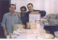 """Sergio Rovasio, Maurizio Turco e Gabriele Sorba, durante le operazioni di """"pulitura"""" delle firme sui 20 referendum all'hotel Ergife."""