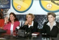 """Conferenza stampa presso la sede di Torre Argentina, in occasione dei """"referendum days"""". Da sinistra: ???, Giuliana Olcese, Emma Bonino, Rita Bernardi"""