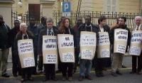 Manifestazione contro la violazione dei diritti umani in Costa d'Avorio, davanti all'ambasciata del paese, promossa dal Partito Radicale e dal Comitat