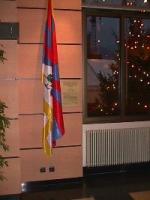 La bandiera del Tibet esposta presso la sede del Comune di Annemasse.