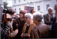 Funerali di Antonio Russo. Al centro, la madre di Antonio, Beatrice.  A destra: Sergio D'Elia e Marco Pannella.