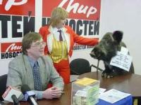 Conferenza stampa di Nikolaj Khramov, contro l'introduzione del finanziamento pubblico dei partiti in Russia.