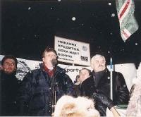 Nikolaj Khramov e Aleksandr Tkachenko., in occasione di una manifestazione antimilitarista, contro i crimini di guerra commessi in Cecenia.