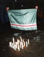 Candele accese in commemorazione delle vittime di guerra cecene, in occasione manifestazione antimilitarista, contro i crimini di guerra commessi in C