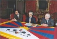 Conferenza stampa con il sindaco di Cremona e il radicale Sergio Ravelli (che aderiscono alla campagna del PR per la liberazione del Tibet).