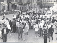 Piazza Navona. Manifestazione per la raccolta di firme a una legge di iniziativa popolare, per l'abolizione del reato di aborto.