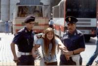 Rita Bernardini ventenne, arrestata a S.Pietro, nel corso di una manifestazione per  la legalizzazione dell'aborto.