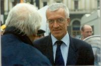 Paolo Vigevano (di spalle, in primo piano, Marco Pannella).