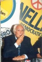 Marco Pannella, in occasione di una conferenza stampa alla sede di Torre Argentina per i referendum days (giornate di mobilitazione straordinaria per