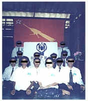 Foto di gruppo di membri dell'opposizione birmana (BSPRC), dopo un'assemblea.