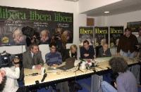 Conferenza stampa in occasione del satyagraha radicale, durante la campagna elettorale per le politiche. Da sinistra: Danilo Quinto, Luca Coscioni, Em