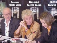 Conferenza stampa di presentazione del rapporto 2001 sulla pena di morte dell'associazione Nessuno Tocchi Caino. Al tavolo: Sergio D'Elia, Margherita