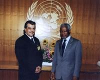 Emil Scuka (segretario generale dell'Unione dei Rom) e Kofi Annan.