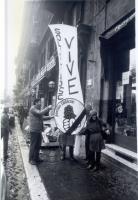Manifestazione davanti all'albergo dove alloggia Jaruzelskij - in visita ufficiale a Roma - e a sostegno di Solidarnosc. Maria Teresa di Lascia a fian