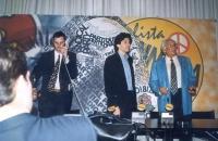 Conferenza stampa durante la campagna elettorale per le europee. Da sinistra: Roberto Iezzi, Marco Cappato, Marco Pannella.