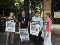 Manifestazione contro la pena di morte in Afghanistan. Da sinistra: Sergio D'Elia, ???, Bruno Mellano, Elisabetta Zamparutti. Altre digitali.
