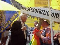 Marco Pannella, in occasione della manifestazione per la libertà della ricerca scientifica.