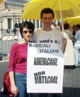 Sabrina Gasparrini e Michele De Lucia in occasione della manifestazione per la libertà di ricerca scientifica.