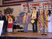 Cerimonia - happening a San José (California). Vengono consegnate a Olivier Dupuis, in seguito alla sua azione di disobbedienza civile in Vietnam, le