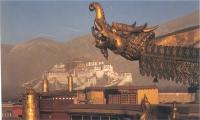 Il Potala Palace visto dal monastero Jokhang.