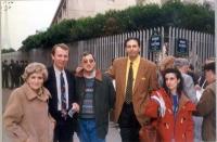 Foto di gruppo con Giorgio Pagano (quarto da sinistra) e Daniela Giglioli (ultima a destra).